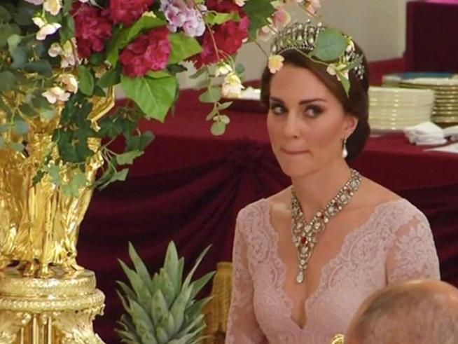 Kate Middleton in rosa Marchesa