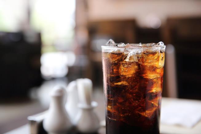 Le bevande zuccherate e gassate non vanno bene in estate perché diuretiche
