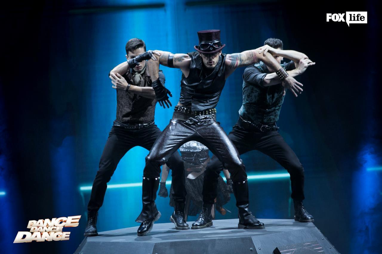 L'esibizione di Raniero sul palco di Dance Dance Dance
