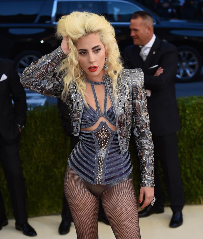 Lady Gaga al MET Gala 2016