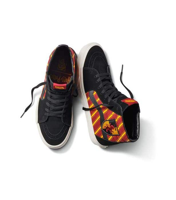 Sk8-Hi sneakers in Gryffindor Vans x Harry Potter