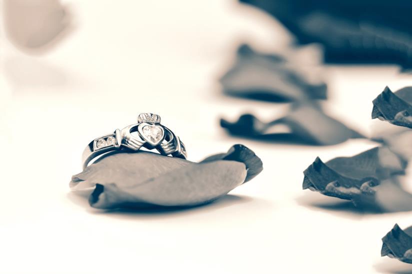 Il claddagh, il tradizionale anello di fidanzamento irlandese