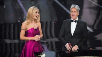 Michelle Hunziker con Claudio Baglioni a Sanremo 2018