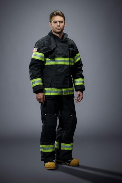 911-S2_01-Gray-Alley-Ryan-Guzman_0153_ly2
