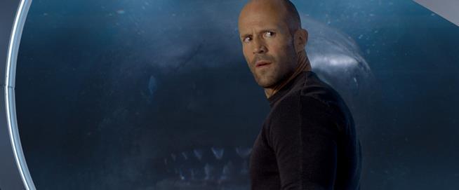 Jason Statham in una scena del film Shark - Il primo squalo