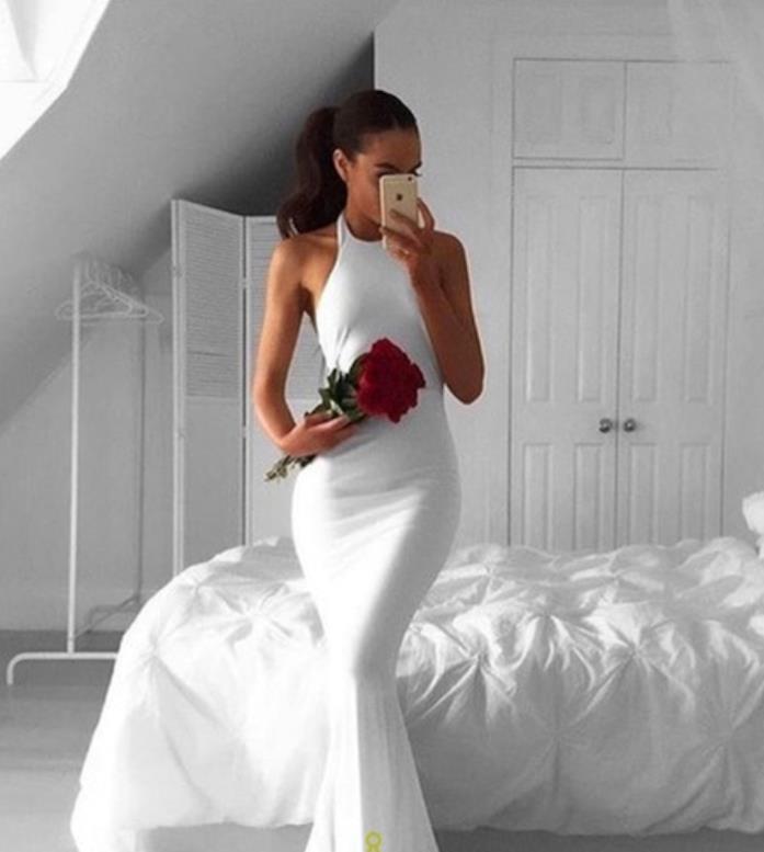 Modello simile al vestito di Meghan Markle firmato da Stella McCartney