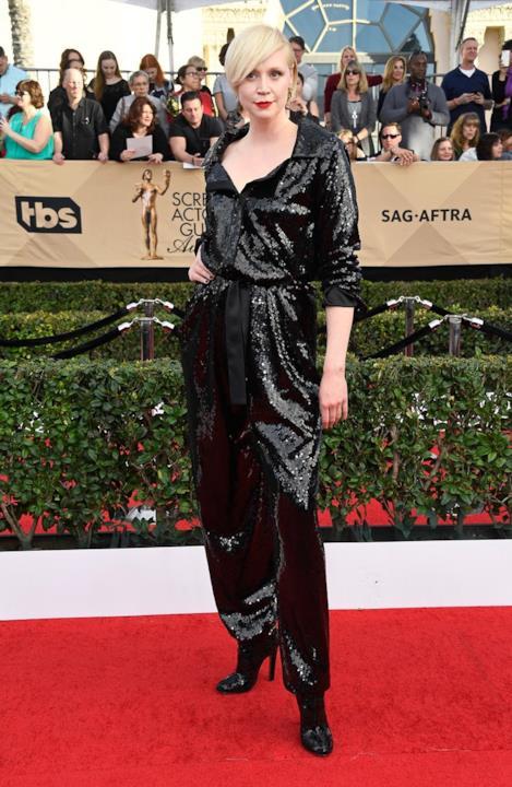 SAG Awards 2017: Gwendoline Christie con una jumpsuit di Vivienne Westwood Couture