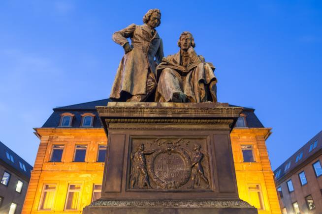 Hanau, Statua dei Fratelli Grimm