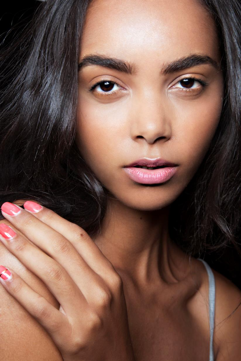 Nail art rosa blush