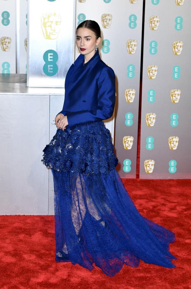 Lily Collins sul red carpet dei BAFTA