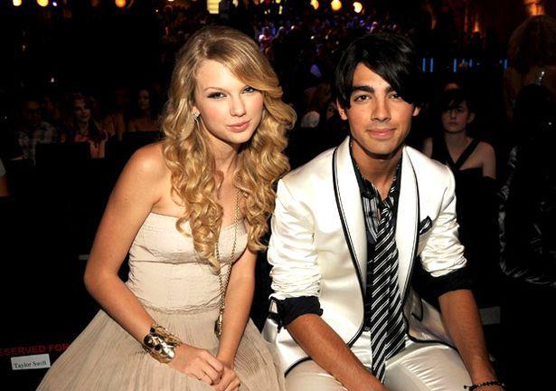 Taylor Swift insieme a Joe Jonas a un evento pubblico