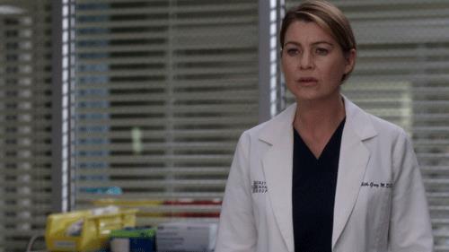 Ellen Pompeo è Meredith in una scena di Grey's Anatomy