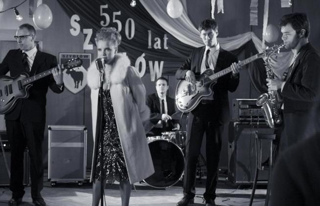 Joanna Kulig si esibisce in Cold War