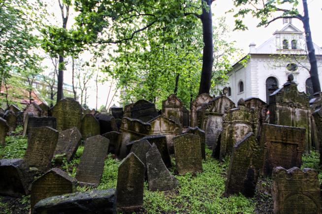 A Praga, nel cimitero ebraico