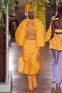 Sfilata VALENTINO Collezione Alta moda Autunno Inverno 19/20 Parigi - ISI_3326