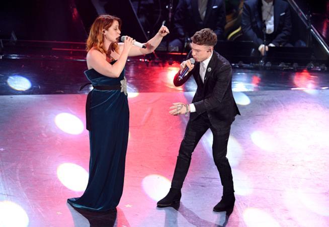 L'abito di Noemi a Sanremo 2018 con scollatura vertiginosa