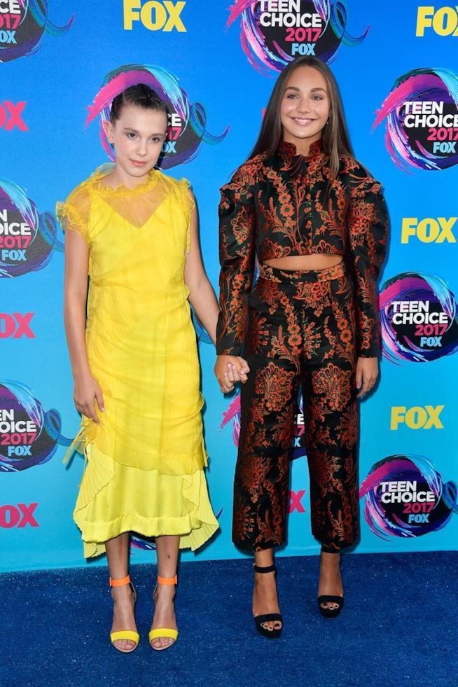Millie Bobby Brown e Maddie Ziegler