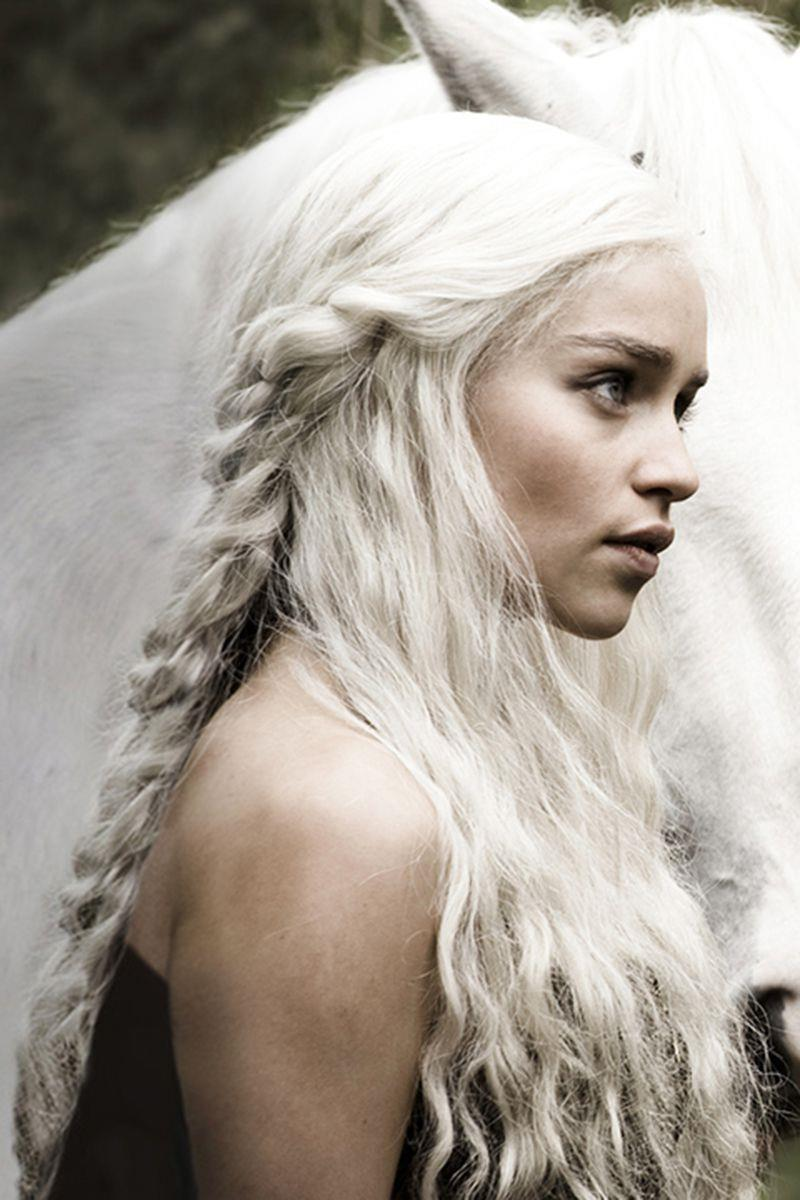 Capelli biondo platino Daenerys Targaryen in Game of Thrones
