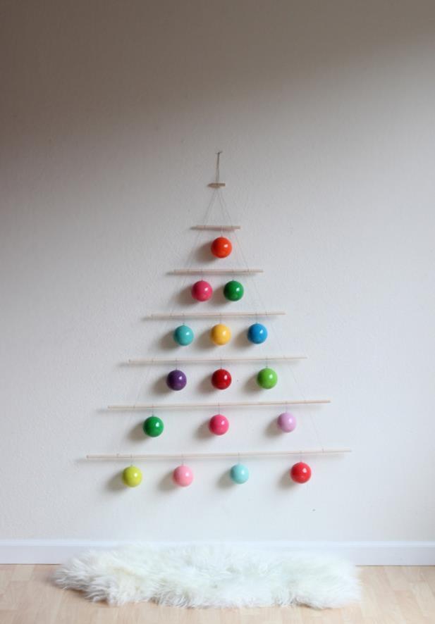 Albero di Natale realizzato con pioli di legno