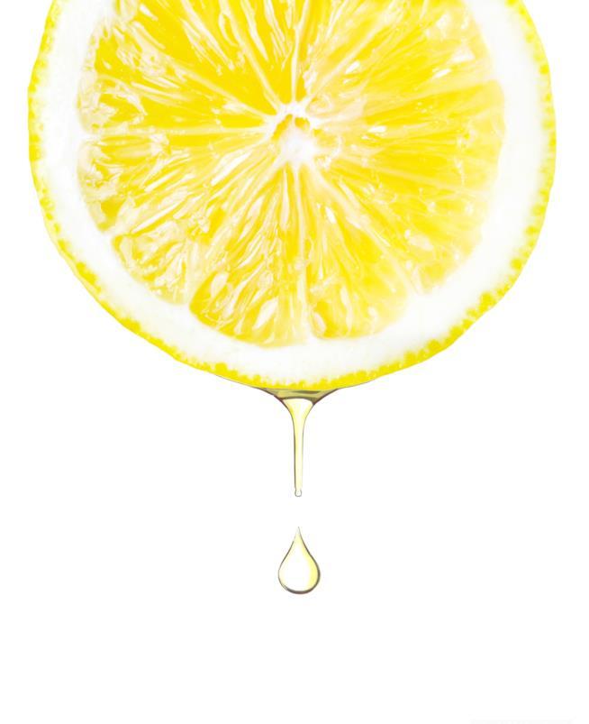fetta di limone con goccia che scende