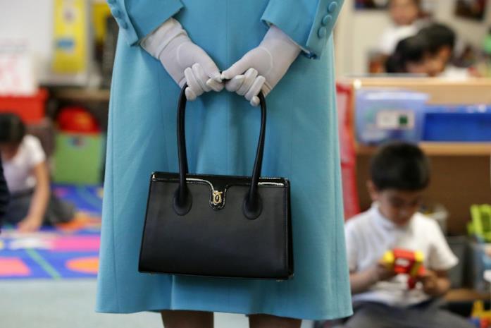 La borsa a mano della regina Elisabetta