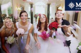 Spose sorridenti a Quattro Matrimoni in Italia