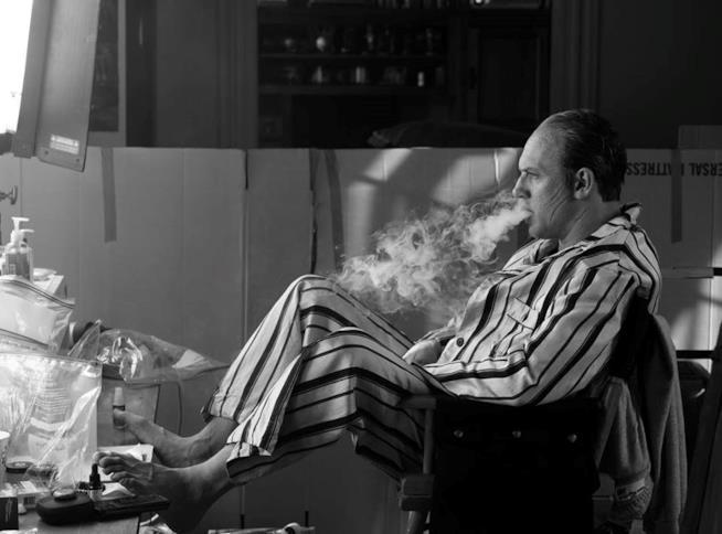Tom Hardy col costume da Al Capone sul set di Fonzo