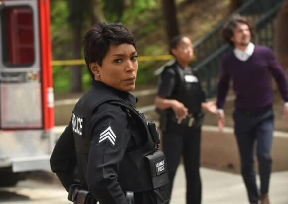 Un'immagine dall'episodio 2x17 di 911