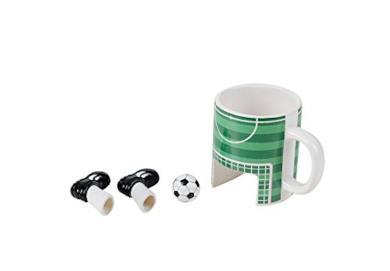 Tazza tema calcio con palla e scarpe