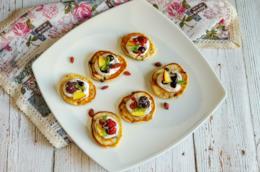 Piccoli dolcetti tondi alla frutta