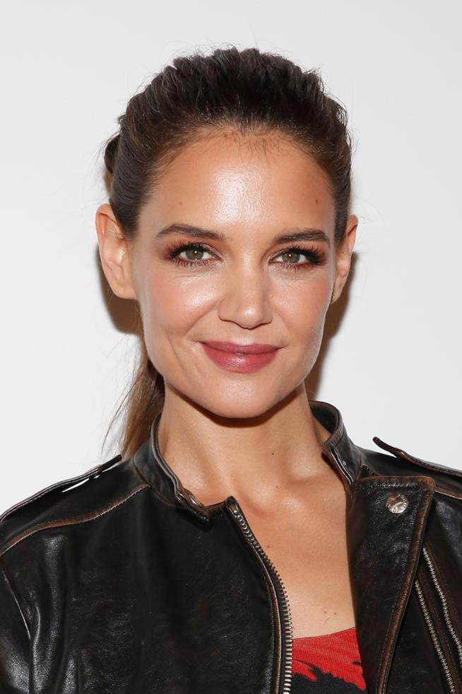 Katie Holmes in primo piano
