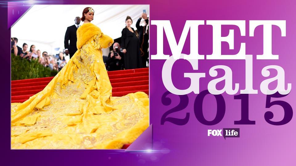 Rihanna da Guinnes nella frittata più grande del mondo by Guo Pei Couture