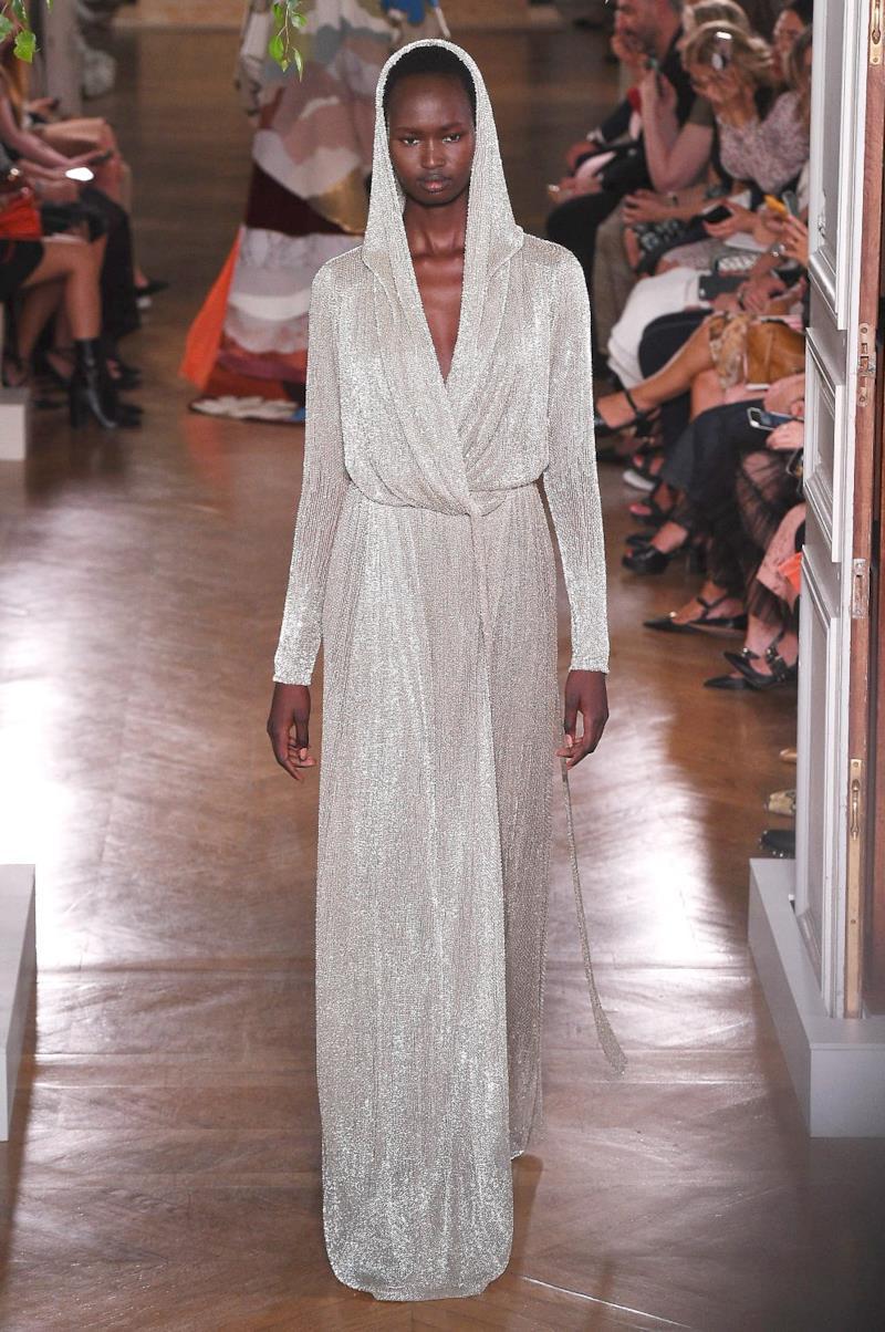 Sfilata VALENTINO Collezione Alta moda Autunno Inverno 19/20 Parigi - ISI_4145
