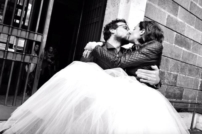 Andrea Delogu e Francesco Montanari appena sposati