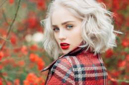 Capelli corti e mossi per l'autunno 2019