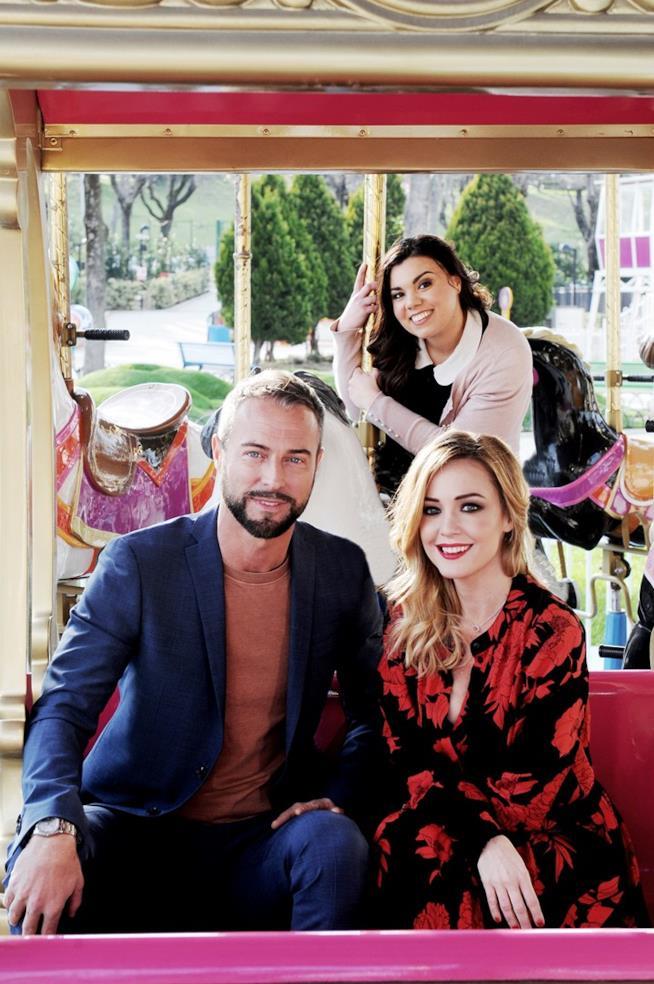 Flavio Montrucchio, Georgia Luzi e Tata Roberta posano al Luneur Park