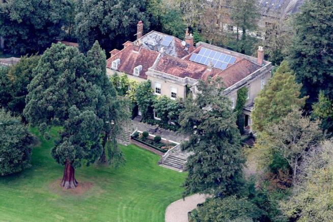 La magnifica casa di George Clooney e Amal
