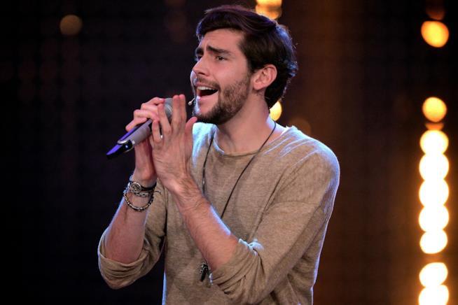 Alvaro Soler, re dei tormentoni, è tornato con il singolo Yo Contigo, Tú Conmigo