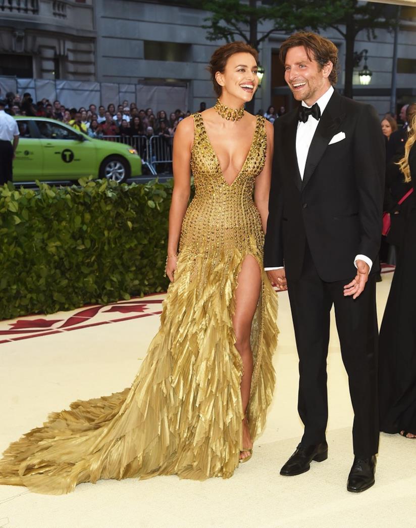 Irina Shayk e Bradley Cooper al MET Gala