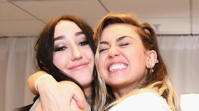 Miley e Noah Cyrus