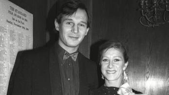 Una foto di Liam neeson ed Helen Mirren ai tempi della loro relazione negli anni '80