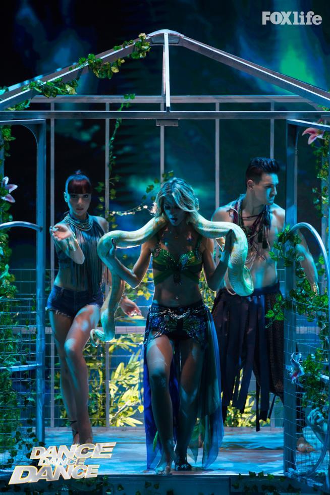 Roberta Ruiu durante il sesto serale della seconda stagione di Dance Dance Dance