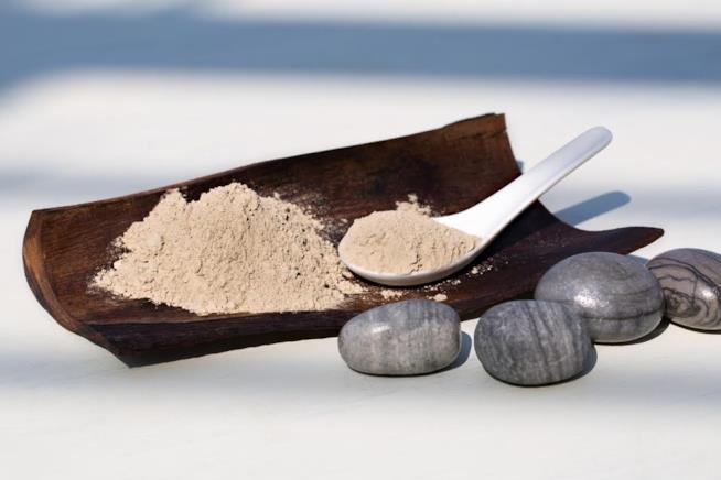Argilla beige si utilizza per il sapone nero