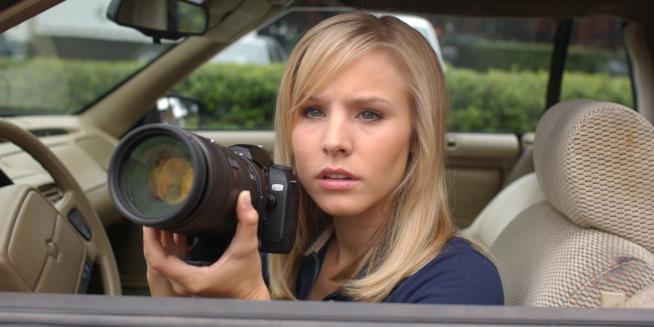 Veronica in macchina con la fotocamera