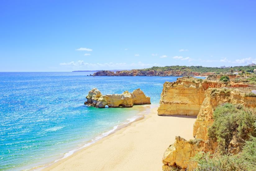 La spiaggia di Praia da Rocha nella regione portoghese dell'Algarve
