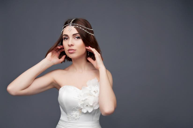 Sposa con capelli caschetto