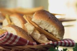 Primo piano di pane e panelle