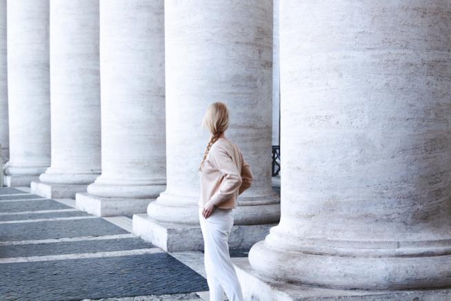 Donna al Vaticano