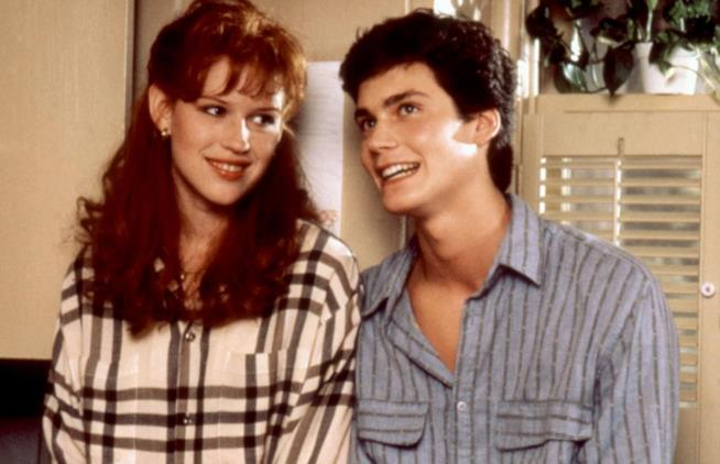 Molly Ringwald, Randall Batinkoff in una scena di For Keeps
