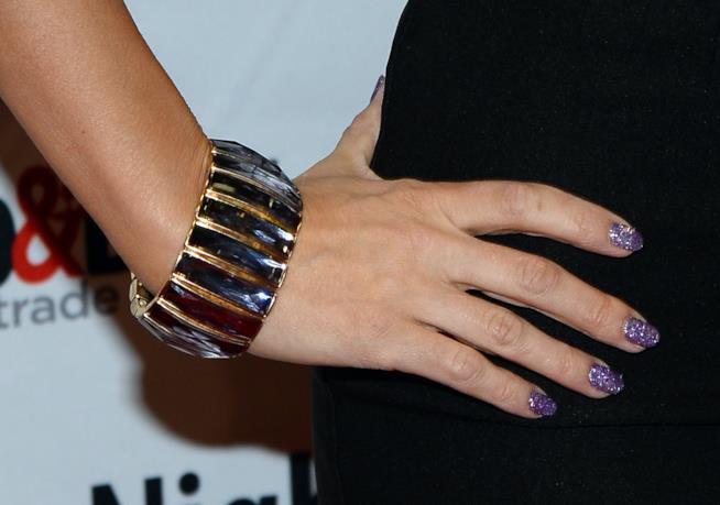 Nail art viola glitter